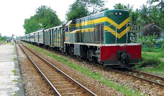 河内铁路运输股份公司增开120趟车  服务国庆假期乘客出行需求 - ảnh 1