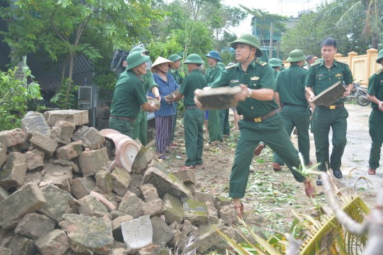"""越南各地克服台风""""杜苏芮""""影响 - ảnh 1"""