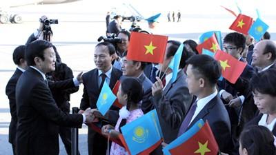 Renforcer les relations Vietnam - Kazakhstan - ảnh 1