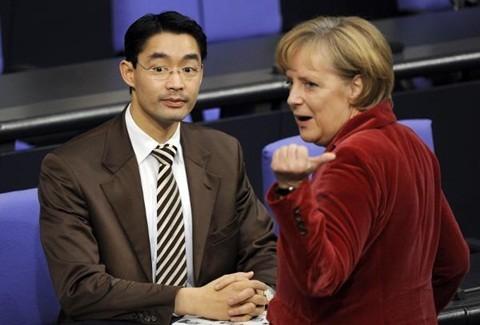 Le ministre allemand de l'Economie et de la Technologie en visite au Vietnam - ảnh 1