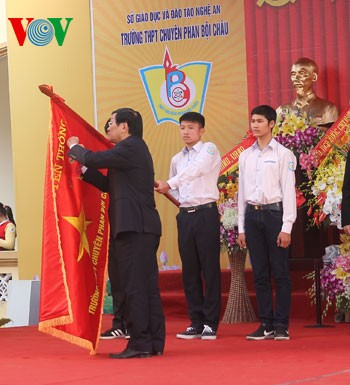 Phan Boi Chau Gifted School, Nghe An province granted Labor Hero title - ảnh 1