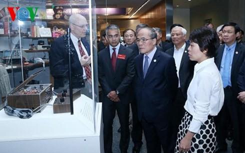 NA Chairman Nguyen Sinh Hung visits famous US sites - ảnh 1
