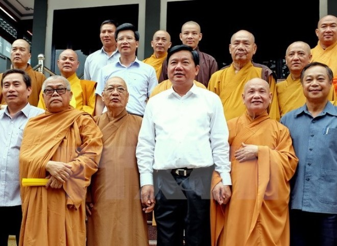 VFF leaders congratulate Buddhist dignitaries and followers in HCMC - ảnh 1