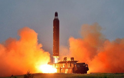 US, Japan, South Korea criticize North Korea's ballistic missile launch - ảnh 1