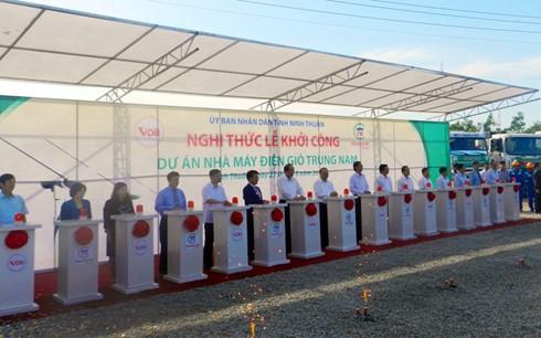 Ninh Thuan begins construction of first wind-power plant  - ảnh 1