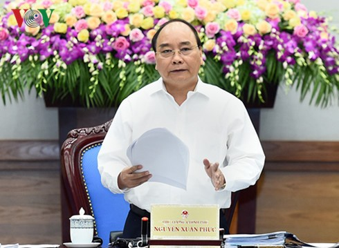 PM Nguyen Xuan Phuc: regaining confidence in national economy - ảnh 1