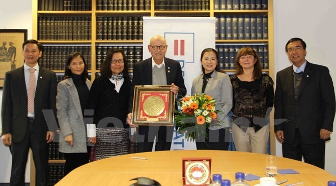 Vietnam Fatherland Front boots cooperation with German organization - ảnh 1