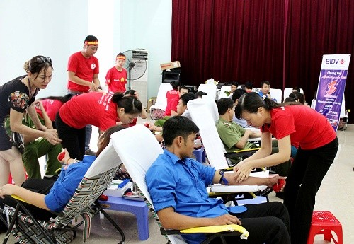 Blood donation campaign 2016  - ảnh 1