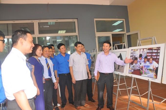 Exhibition on Vietnam's Hoang Sa and Truong Sa archipelagos - ảnh 1