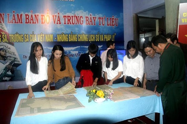 Exhibition highlights Vietnam's sovereignty over Spratlys and Paracels - ảnh 1