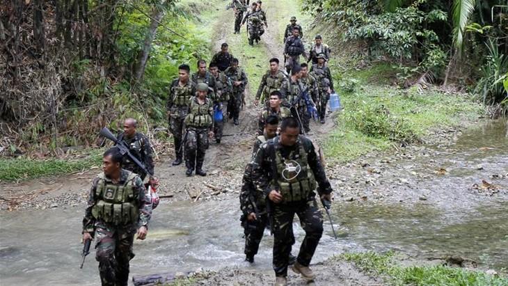 Abu Sayyaf executes Filipino hostage  - ảnh 1
