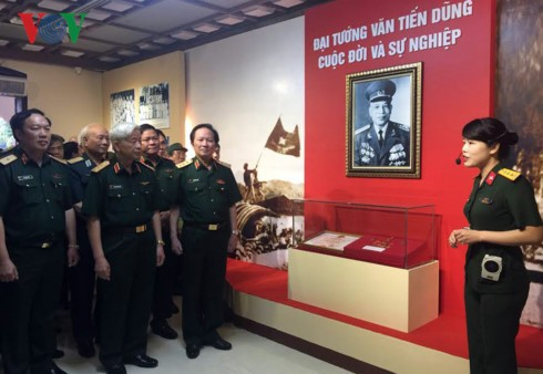 Exhibition features General Van Tien Dung's life and career - ảnh 1