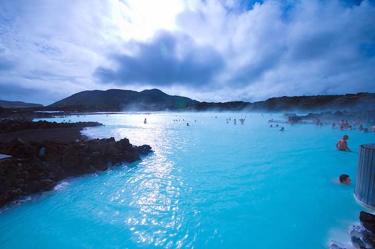 Iceland develops tourism - ảnh 1