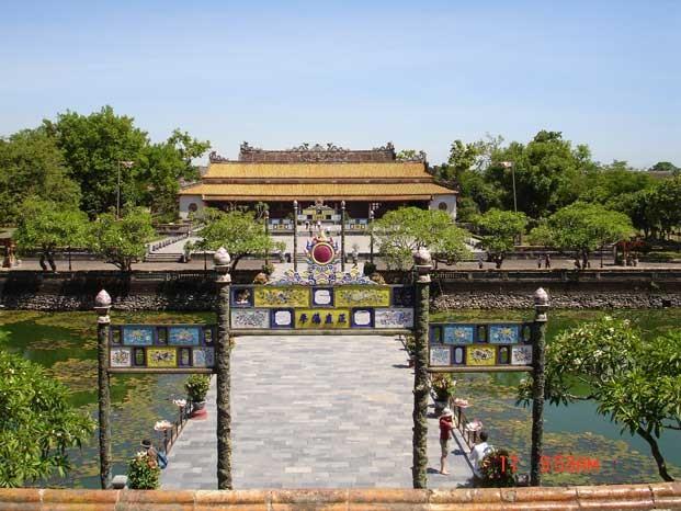 Konservasi dan Pengembangan nilai cagar sejarah dan kebudayaan di Vietnam - ảnh 4