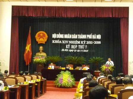Pembukaan sidang ke-7 Dewan Rakyat kota Hanoi - ảnh 1