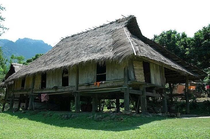 Arsitektur rumah etnis minoritas Brau - ảnh 1