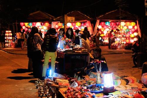 Suara malam bulan purnama di kota lama Hoi An - ảnh 2
