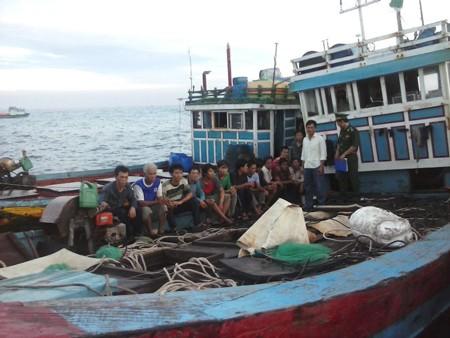 Vietnam menyampaikan nota untuk memprotes tindakan salah yang dilakukan kapal Tiongkok - ảnh 1