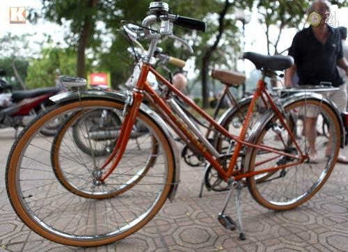Mengayuh sepeda lama dan mengenangkan kota Hanoi dulu - ảnh 2