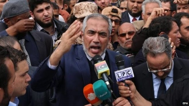 PM Pemerintah yang disokong faksi Islam dipecat - ảnh 1