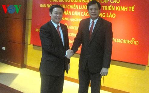 Perbahasan tentang kerjasama ekonomi Vietnam – Republik Demokrasi Rakyat Laos - ảnh 1