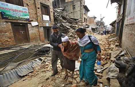 Kedutaan Besar Vietnam di India berusaha membantu wisatawan Vietnam yang terperangkap di Nepal - ảnh 1