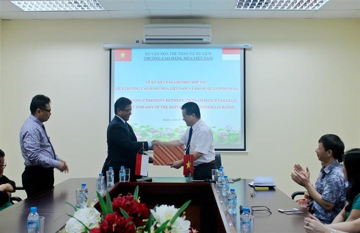Kerjasama pendidikan dan pelatihan antara negara-negara ASEAN - ảnh 1