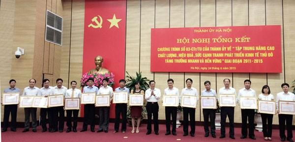 Hanoi mengevaluasikan program peningkatan kualitas, hasil-guna, daya saing ekonomi ibukota - ảnh 1