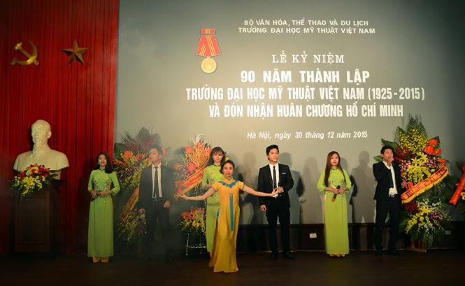 Sekolah Tinggi Seni Rupa Vietnam melakukan pembaruan untuk integrasi - ảnh 1