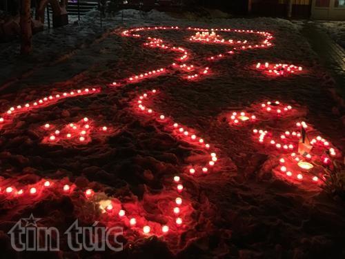 Upacara melepaskan arwah para martir yang gugur demi kedaulatan laut dan pulau Vietnam diadakan di Polandia  - ảnh 1