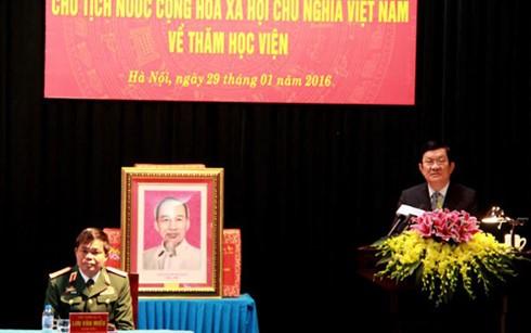 Presiden Vietnam Truong Tan Sang mengunjungi dan menyampaikan ucapan selamat Hari Raya Tet di Akademi Logistik - ảnh 1