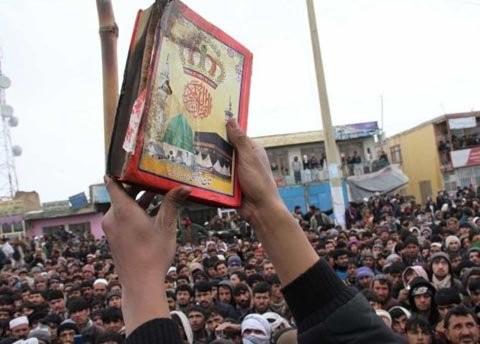 Presiden Amerika Serikat kirim suat minta maaf atas pembakaraan buku Al Qur'an  di Afghanistan - ảnh 1