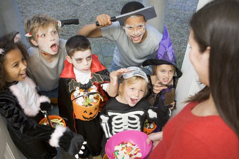 Halloween Eve: when the fun is not limited to children - ảnh 1