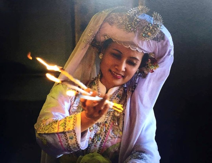 Photographer Tewfic El-Sawy on hầu đồng, a practice of spirit mediumship in Vietnam - ảnh 3