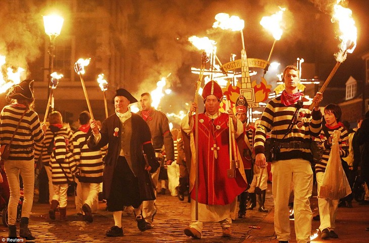 Bonfire Night traditions in Britain - ảnh 4