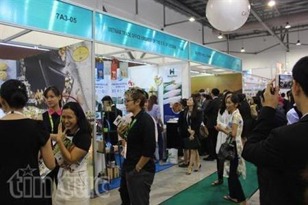 越南企业在亚洲最大食品酒店展上开展贸促和推介活动 - ảnh 1
