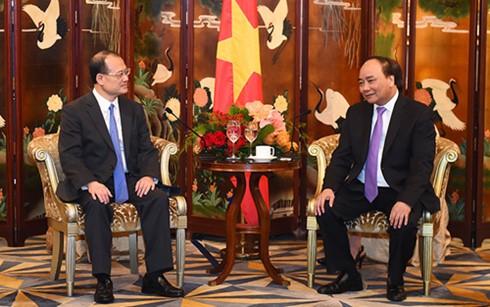 阮春福会见中国香港大型企业集团领导人 - ảnh 1