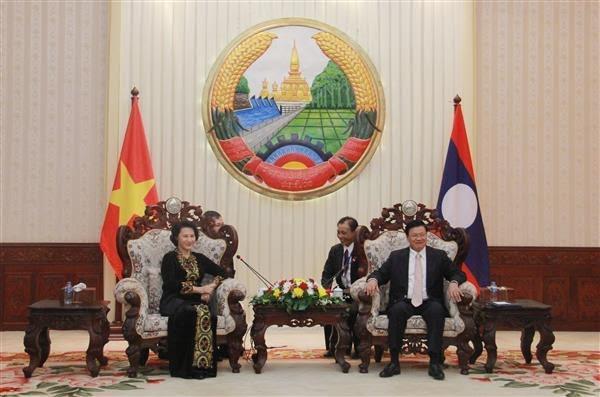 阮氏金银会见老挝政府总理通伦•西苏里 - ảnh 1