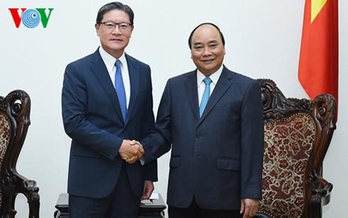 阮春福总理会见韩国GS集团董事长胡明洙 - ảnh 1