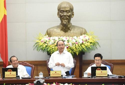 越南政府举行十月份工作例会 - ảnh 1