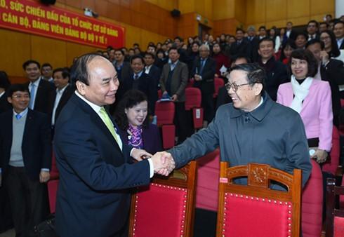 阮春福表示,卫生部门要将病人的满意度当做最重要目标 - ảnh 1
