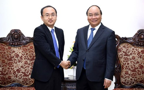阮春福会见日本贸易振兴机构驻越南代表处首席代表川田 - ảnh 1