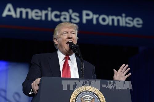 美国总统特朗普宣布加强美国军事实力 - ảnh 1