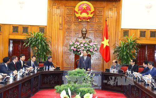 越南政府总理阮春福呼吁中国香港企业投资基础设施建设 - ảnh 1
