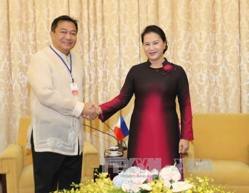 阮氏金银会见东帝汶国民议会议长和菲律宾众议长 - ảnh 1