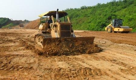 Premierminister: Die wichtigen Verkehrsprojekte sollten vorangetrieben werden - ảnh 1