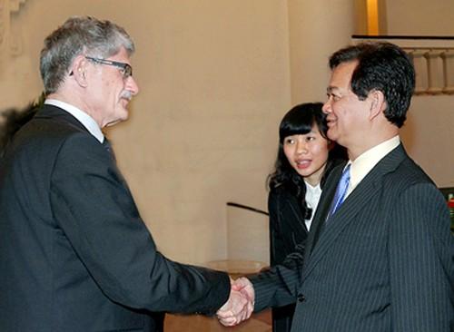 Dänischer Parlamentspräsident Morgens Lykketoft ist in Vietnam zu Gast - ảnh 1