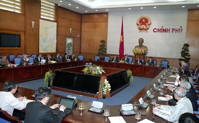 Premierminister Nguyen Tan Dung trifft Wirtschaftsexperten - ảnh 1