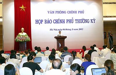 Regierung organisiert turnusmäßige Pressekonferenz - ảnh 1