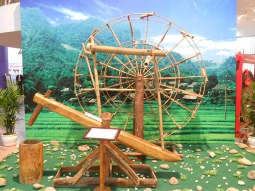 """Die Ausstellung """"Farben des Nordwestens"""" in Hanoi - ảnh 1"""